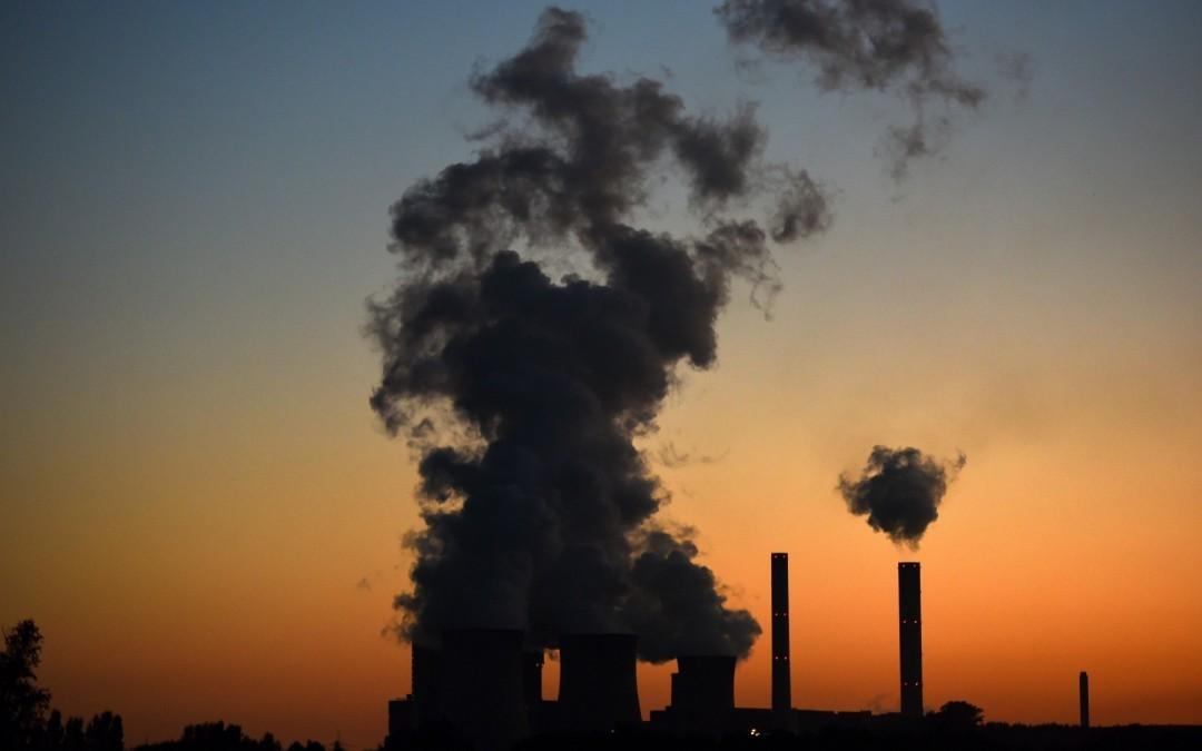 Subsidios a combustibles fósiles son cuatro veces mayores que a renovables