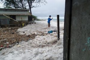 En 2014, una marejada alta afectó un centenar de casas en el atolón de Majuro, donde está ubicada la capital. Fue la tercera inundación en doce meses.