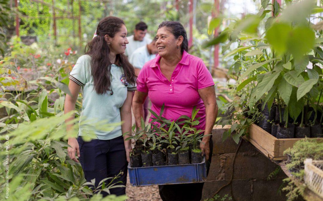 Fondos dirigidos a mujeres y ciudades buscan proteger la naturaleza