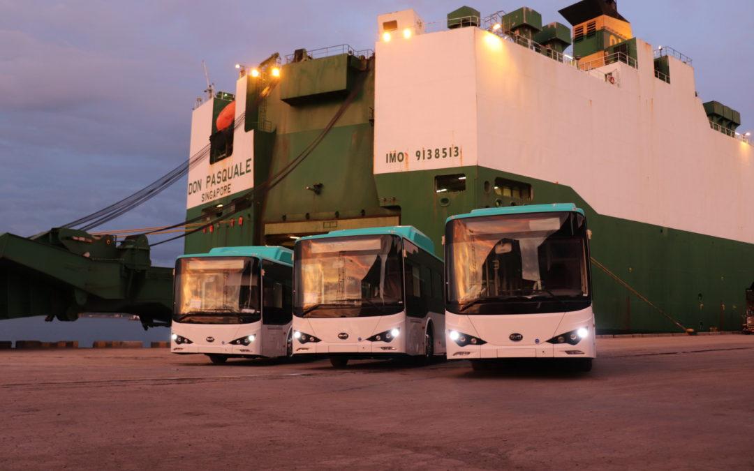 Tres buses serán la 'punta de lanza' en la electrificación del transporte público