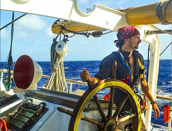 """Juan Mayorga, investigador de National Geographic Pristine Seas """"Las áreas marinas protegidas son una cuenta de ahorros"""""""