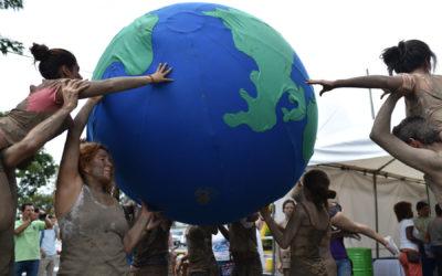Aún se requieren recortes anuales de 1-2.000 millones de toneladas 64 países disminuyeron sus emisiones desde la adopción del Acuerdo de París